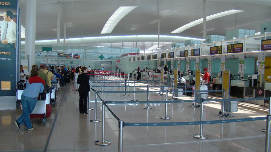 Fomento modificará el reglamento para poder sancionar a aerolíneas extranjeras