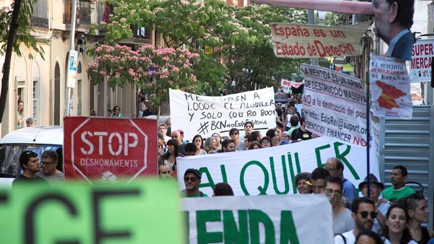 Unas 5.000 personas reclaman en Barcelona alquileres asequibles