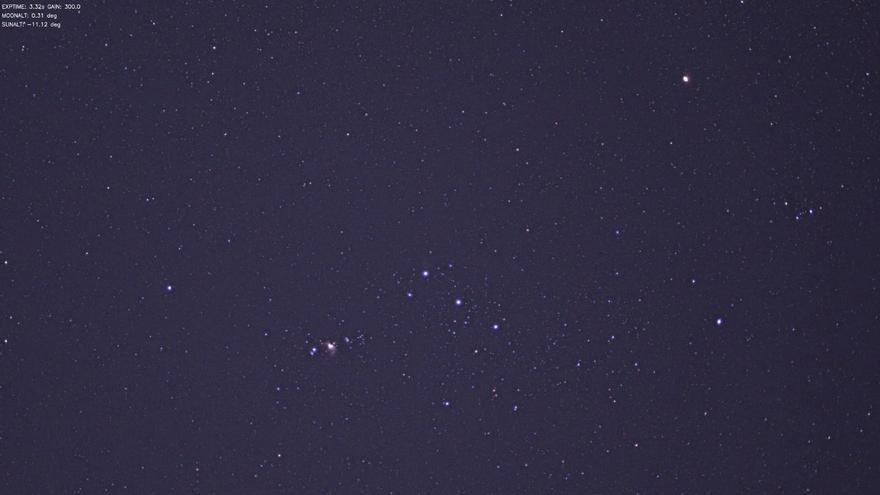 Imagen de la región del cielo (la constelación de Orión) a la que apuntaba el Gran Telescopio Canarias la noche del pasado jueves.