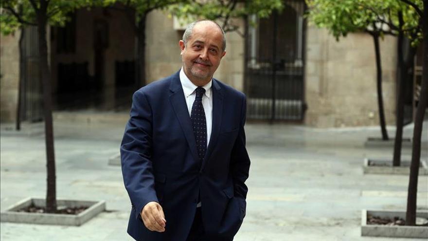 Felip Puig: El Estado sufre aluminosis y no se reconstruirá por la vía de la imposición