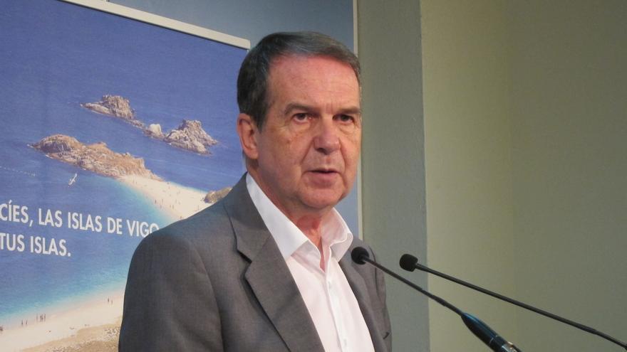 Abel Caballero felicita a su sobrino elegido secretario general del PSdeG