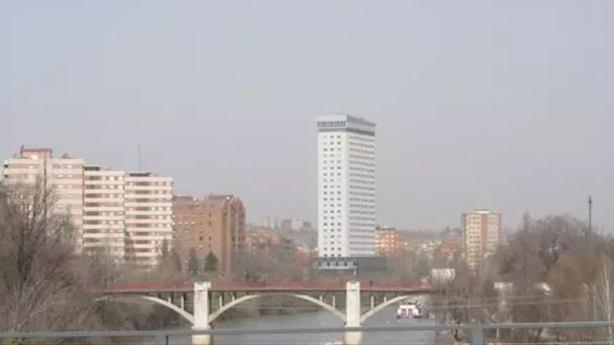 Una imagen de archivo del río Pisuera a su paso por Valladolid.