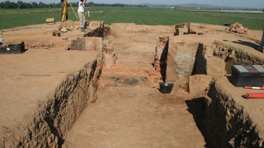 aunque solo lleva dos años excavándose, es el edificio de la cultura tartésica mejor conservado tanto en Andalucía, como en Extremadura / Junta
