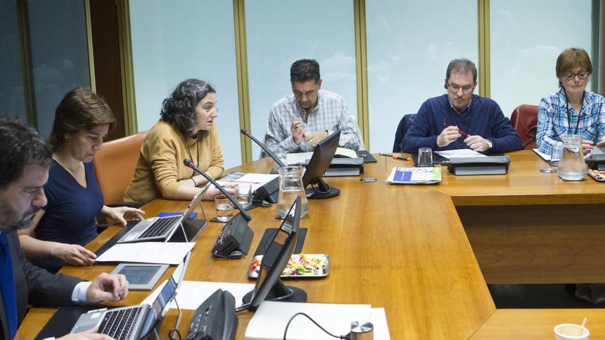 Los sindicatos de Lanbide, en el Parlamento vasco
