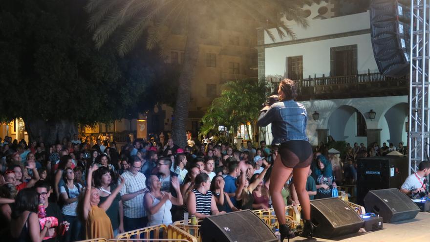 La diva canaria Nalaya Brown durante su actuación.
