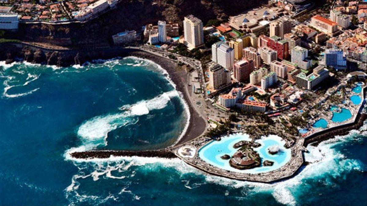 Visión aérea del Lago Martiánez, en Puerto de la Cruz (Tenerife)