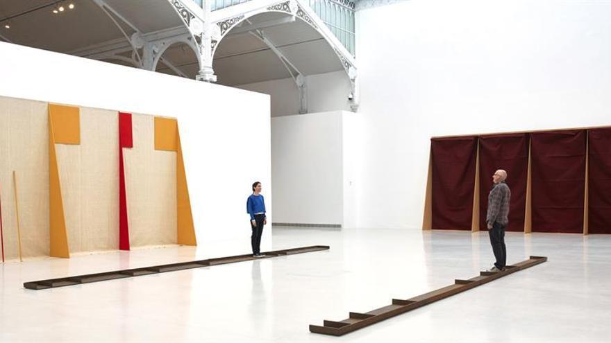 Walther invita al espectador a convertirse en parte de su obra, en Madrid