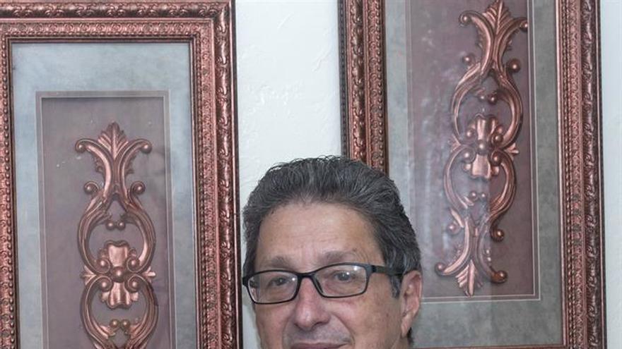 """Un periodista cubano traza el perfil criminal del """"Che"""" con testimonios y cartas"""