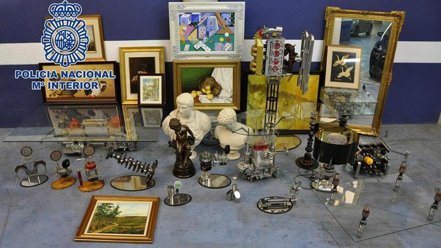 La Policía recupera obras de arte valoradas 1,2 millones que los ladrones vendían internet
