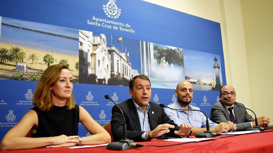 Presentación del proyecto 'Teje el porvenir' en el Ayuntamiento de Santa Cruz