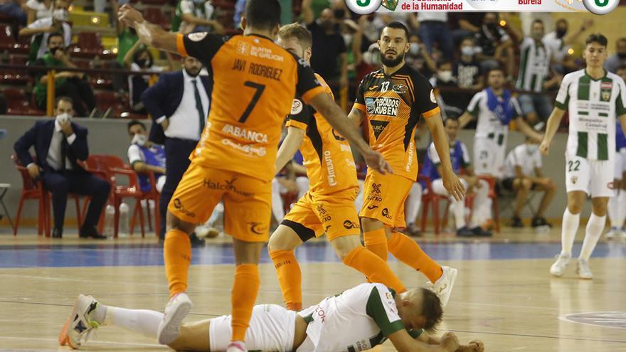 Koseky se duele en la pista tras un golpe | ÁLEX GALLEGOS