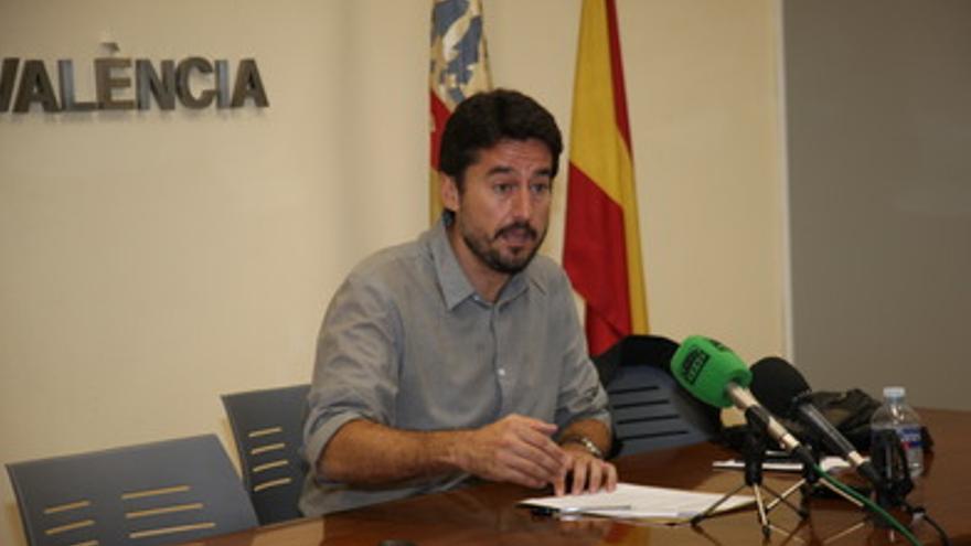 El portavoz del gobierno municipal, Jordi Peris, durante la comparecencia de prensa