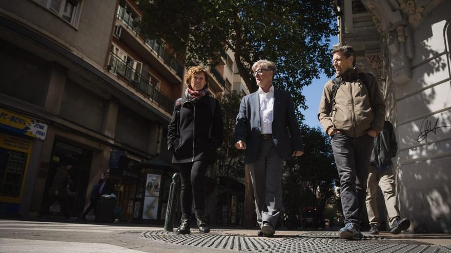 En el centro, el candidato a la Alcaldía por Zaragoza en Común, Pedro Santisteve