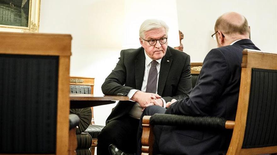 Steinmeier recibe a Schulz, entre presiones en el SPD para evitar elecciones