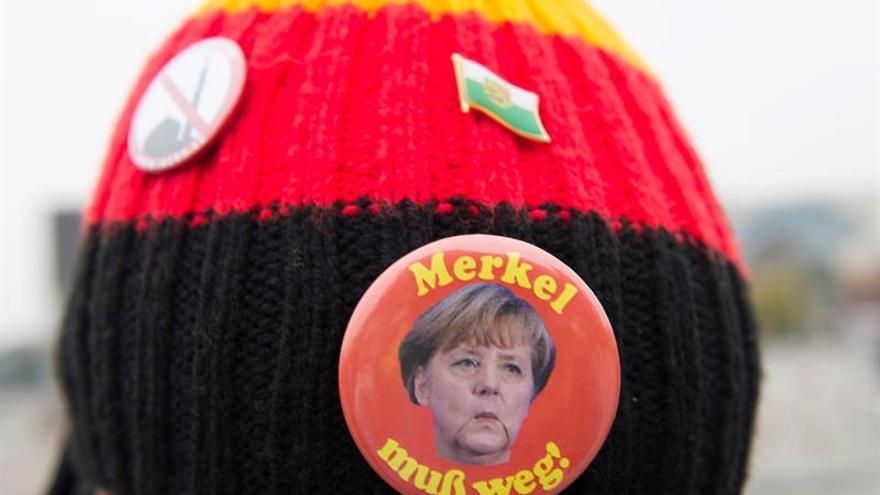 La ultraderecha apenas reúne en Berlín a 500 manifestantes contra Merkel