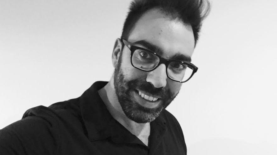 Hugo Alonso, técnico de Fundación Triangulo en Extremadura, trabaja con personas portadoras de VIH/Sida