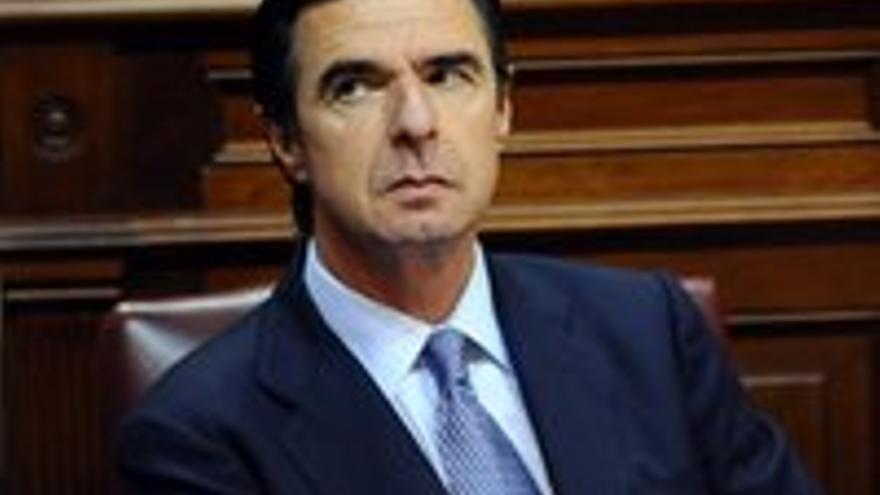 Soria, este martes en el Parlamento canario.