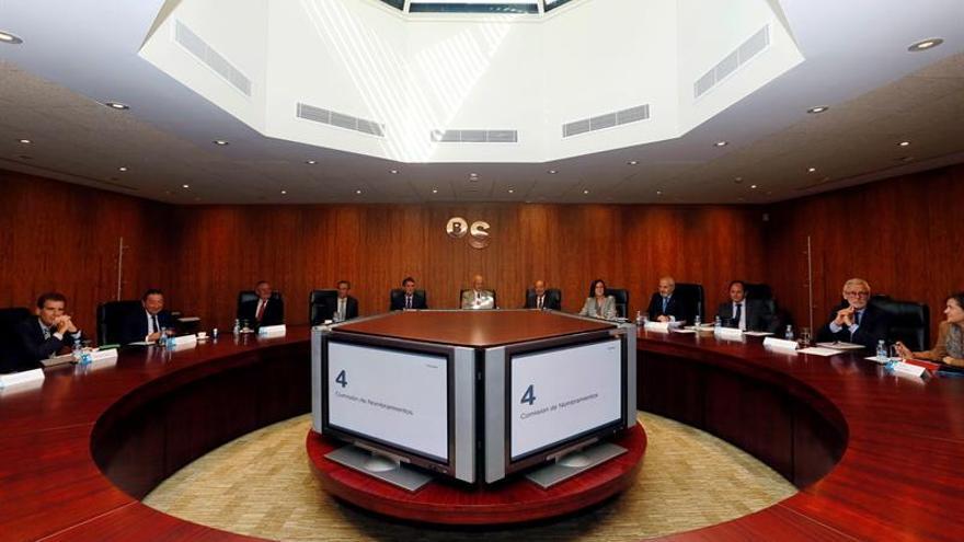 """Oliu asegura que el traslado del Banco Sabadell a Alicante """"no tiene caducidad"""""""