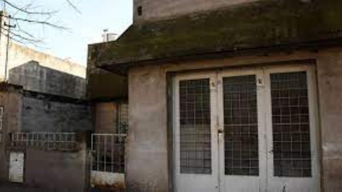Esta es la casa en un barrio de Rosario donde la víctima estuvo encerrada 23 años.