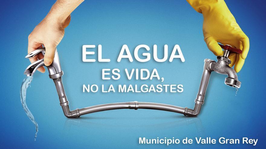 Campaña de sensibilización a favor del ahorro de agua en sitios públicos de Valle Gran Rey