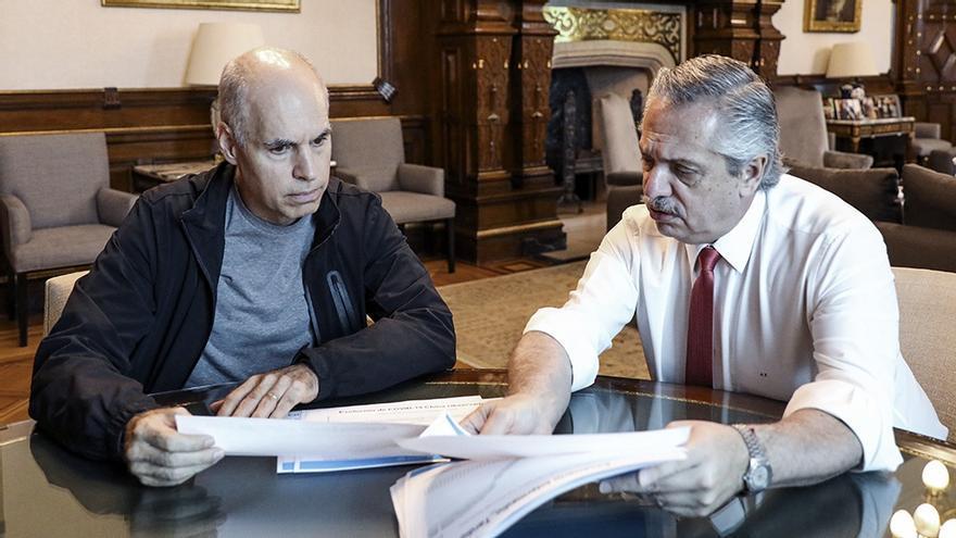 """Fernández le ofrece a Larreta una mesa de diálogo pero defiende el """"informe Batakis"""""""