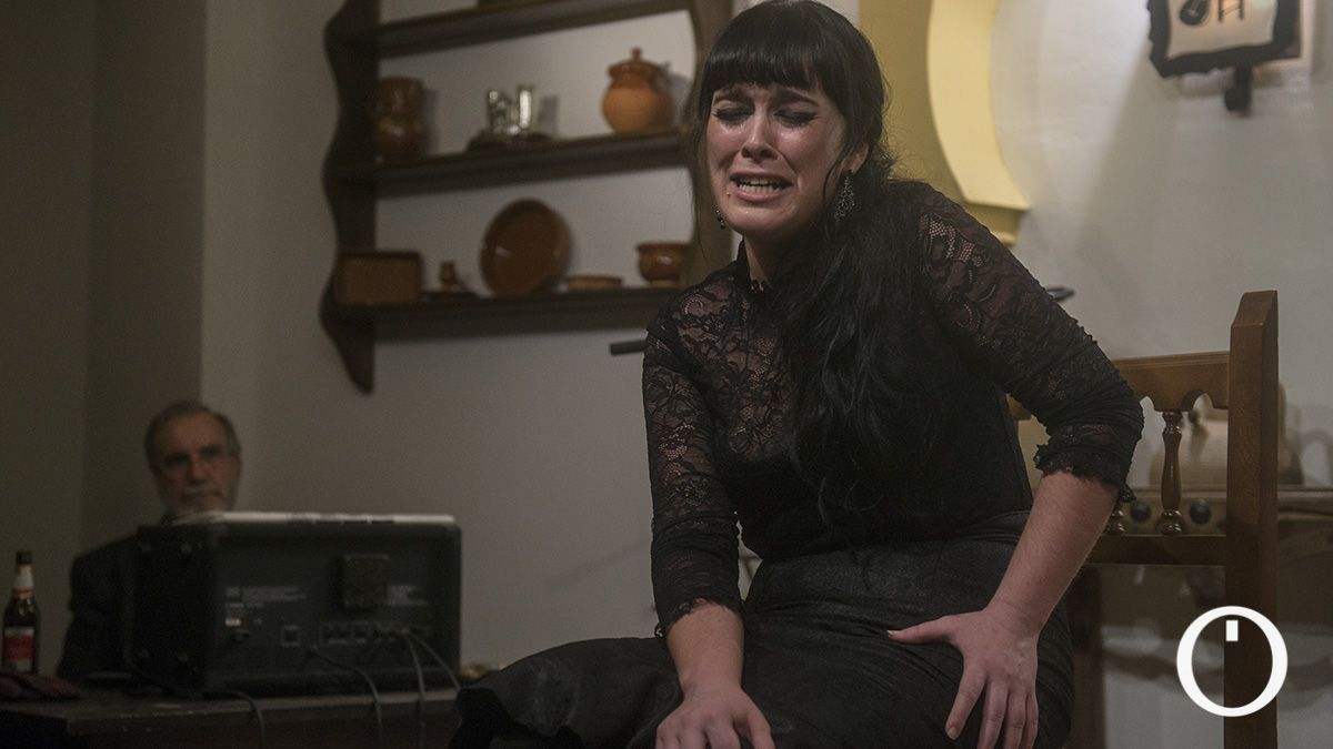 Isa Jurado cantando en un tablao