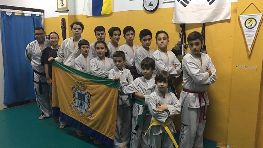 En la imagen, los deportistas del Club Dorya.