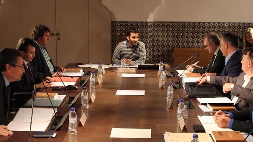 Imagen de la reunión de la Comisión Interdepartamental presidida por Vicent Marzà