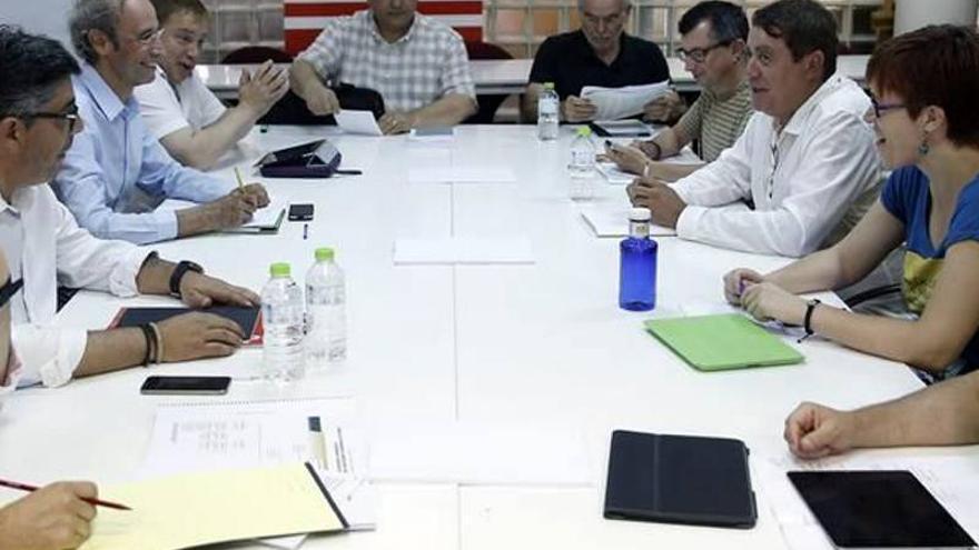 Un instante de la primera negociación del gobierno del Botànic
