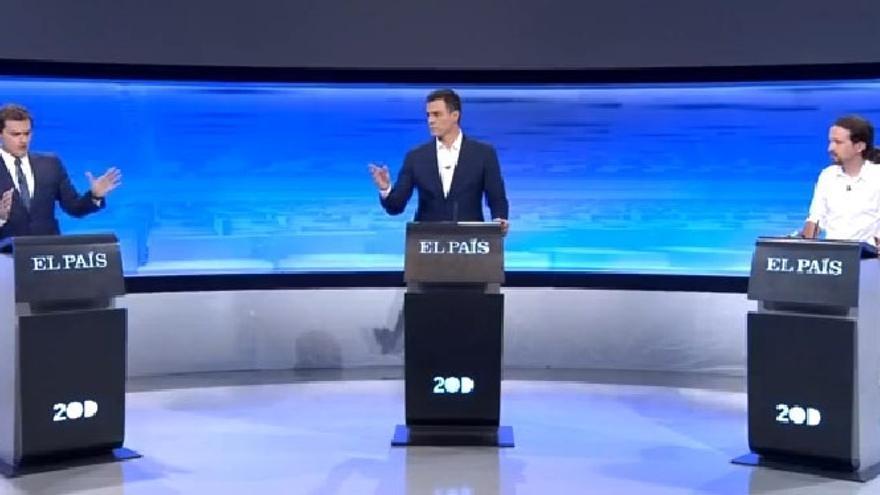 Rivera quiere reformar España para enganchar a los catalanes, Sánchez un Estado federal e Iglesias referéndum