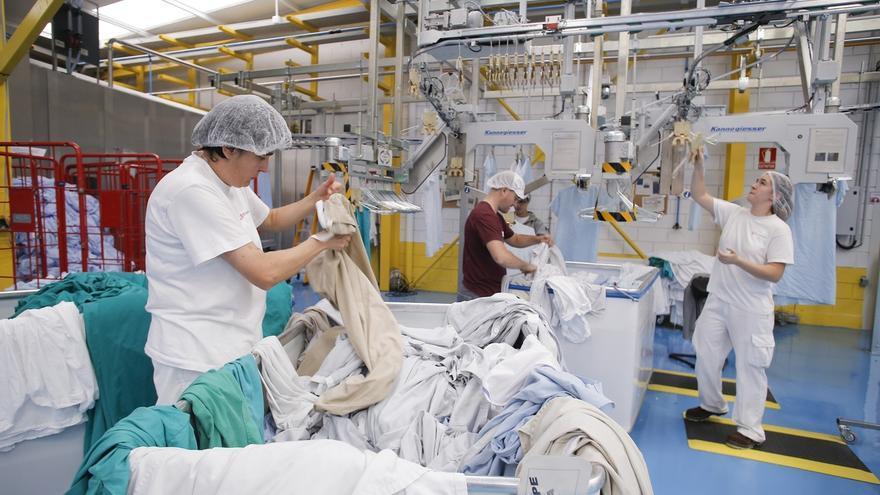 Tasubinsa, adjudicataria de los trabajos de lavandería de las prendas sanitarias del SNS