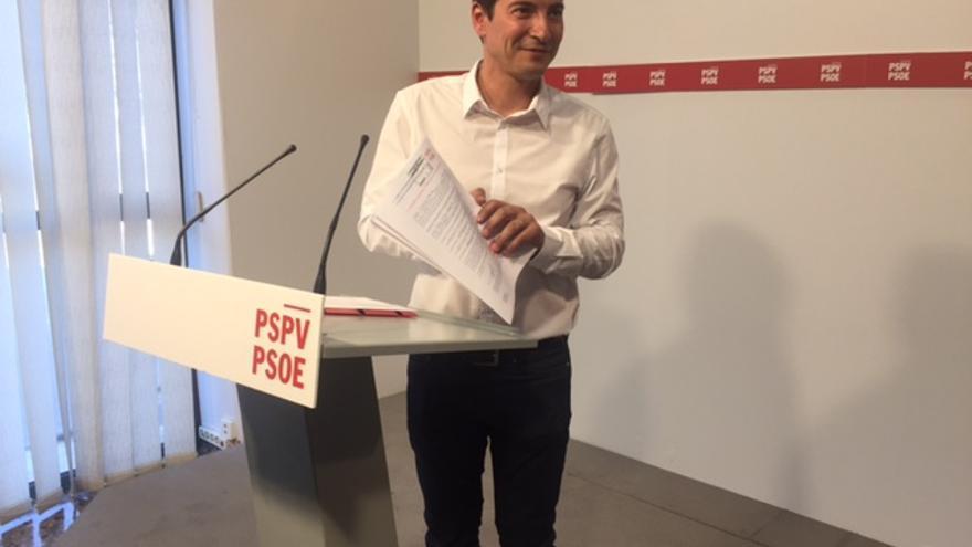 Rafael García, alcalde de Burjassot, en la presentación de su candidatura a secretario general del PSPV-PSOE.