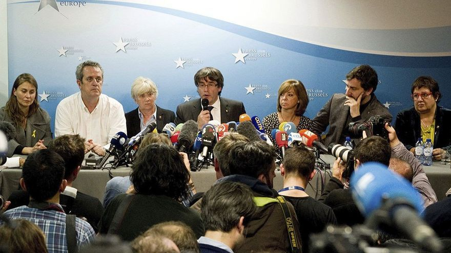 Carles Puigdemont en la rueda de prensa en Bruselas. (EFE).