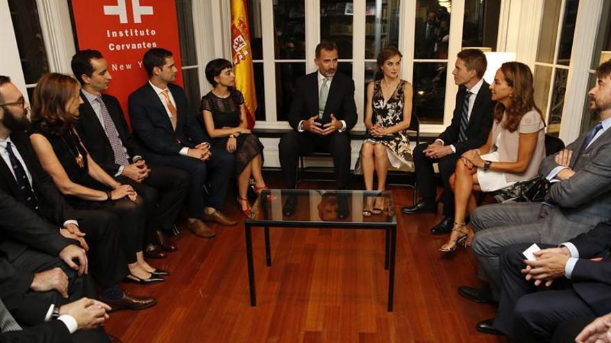 Españoles que destacan en Nueva York exponen sus experiencias a los reyes
