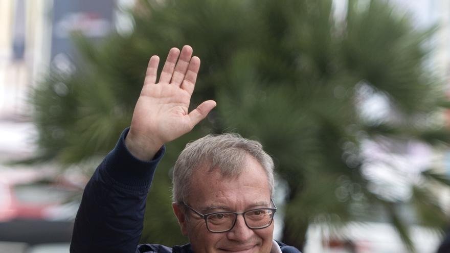 El director de la película 'Las Leyes de la Frontera', Daniel Monzón, a su llegada al Hotel María Cristina de San Sebastián.