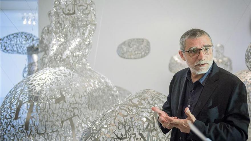 Plensa expone en Francia retratos en bronce y basalto y sus instalaciones lumínicas