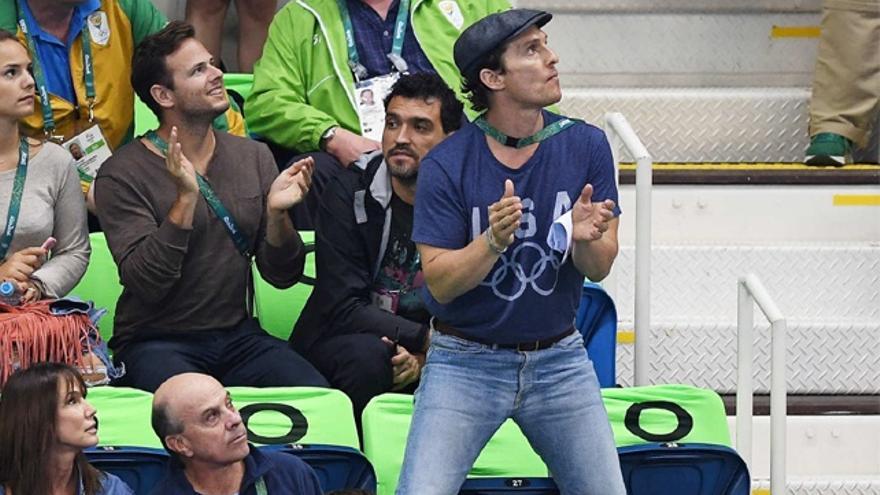McConaughey y su mujer, en Río viendo el vibrante partido del 'Dream Team'