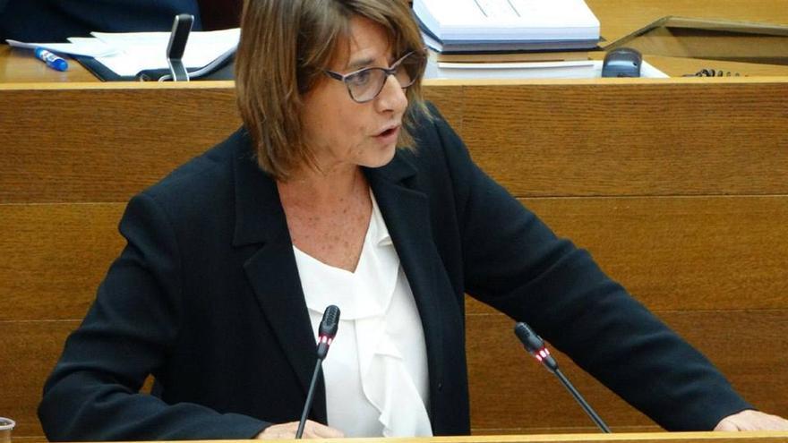 La diputada autonómica de Podemos Llum Quiñonero en las Corts