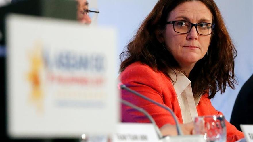 La comisaria europea de Comercio visita las obras de Dragados en Toronto