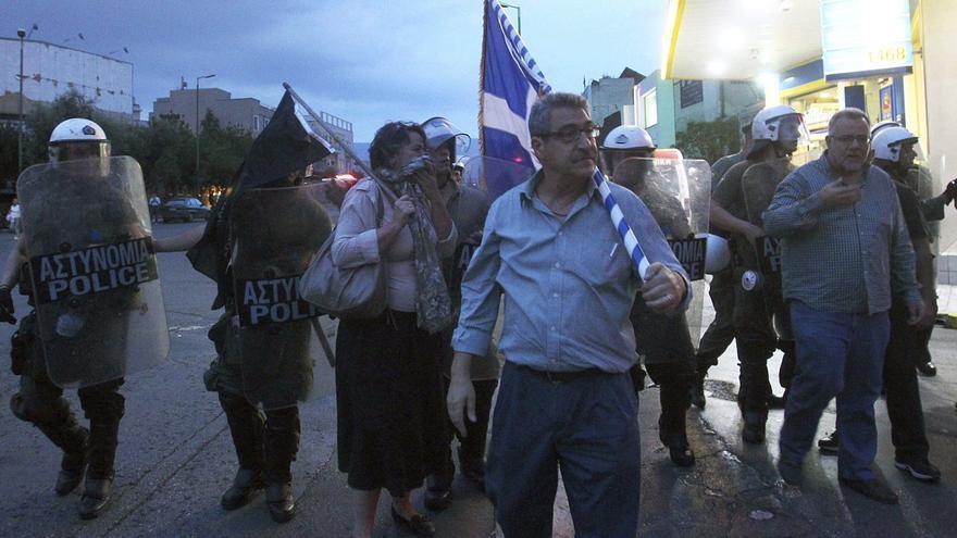 Los neonazis griegos duplican sus apoyos y serían la tercera fuerza política