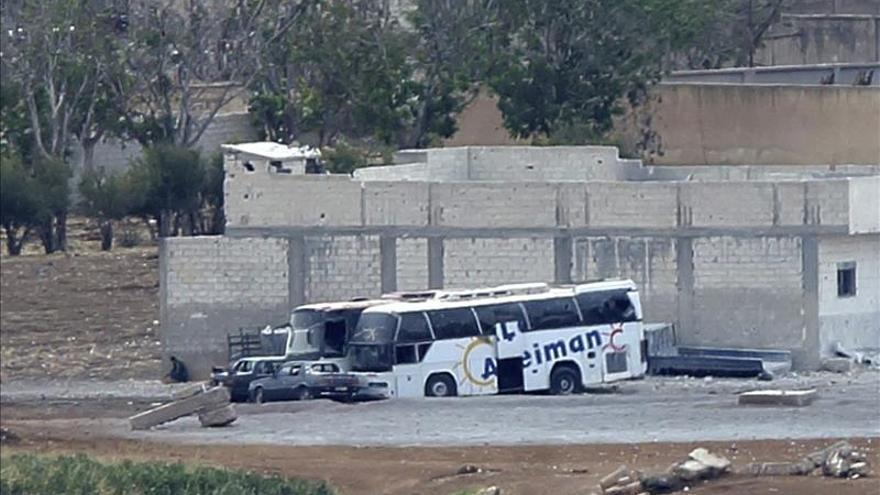 """El EI asesina a trece personas en Al Raqa por """"espiar para el régimen sirio"""""""