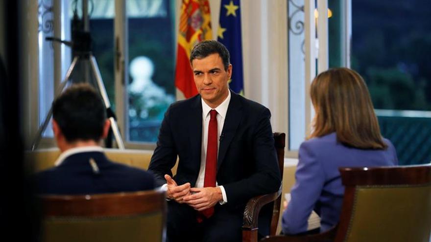 Pedro Sánchez durante su primera entrevista para RTVE, como presidente del Gobierno