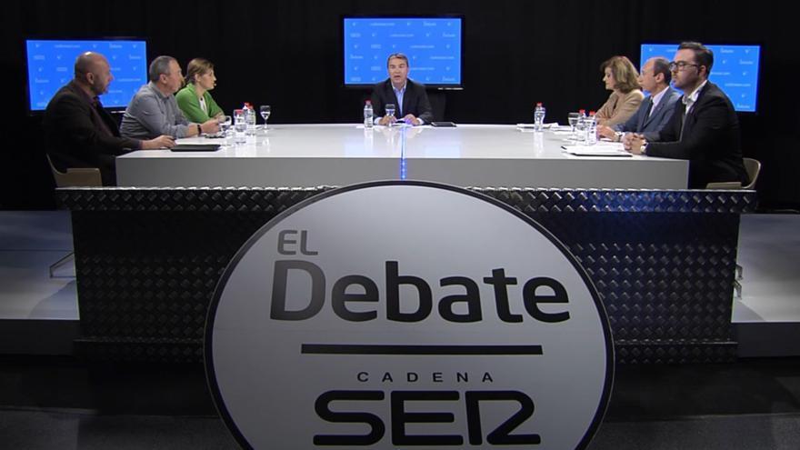 Bernardo Guzmán modera el debate entre los seis candidatos al Congreso por Valencia