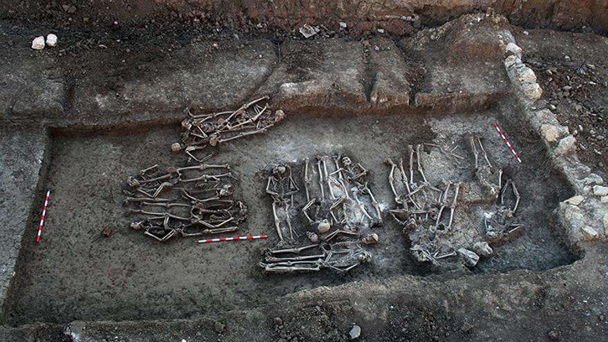 Fosa sur, nivel 3, del cementerio de San Rafael en Málaga. | ANDRÉS FERNÁNDEZ