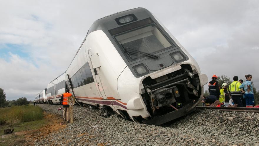 El PSOE pide la comparecencia del presidente de Adif por el descarrilamiento del tren en Sevilla