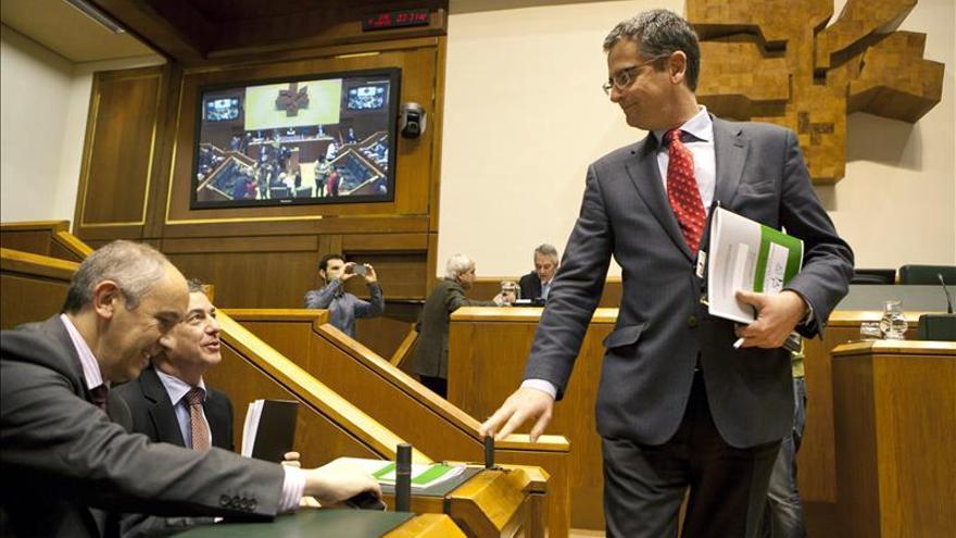 Basagoiti se despide de todos salvo EH Bildu, a la que pide que diga adiós a ETA
