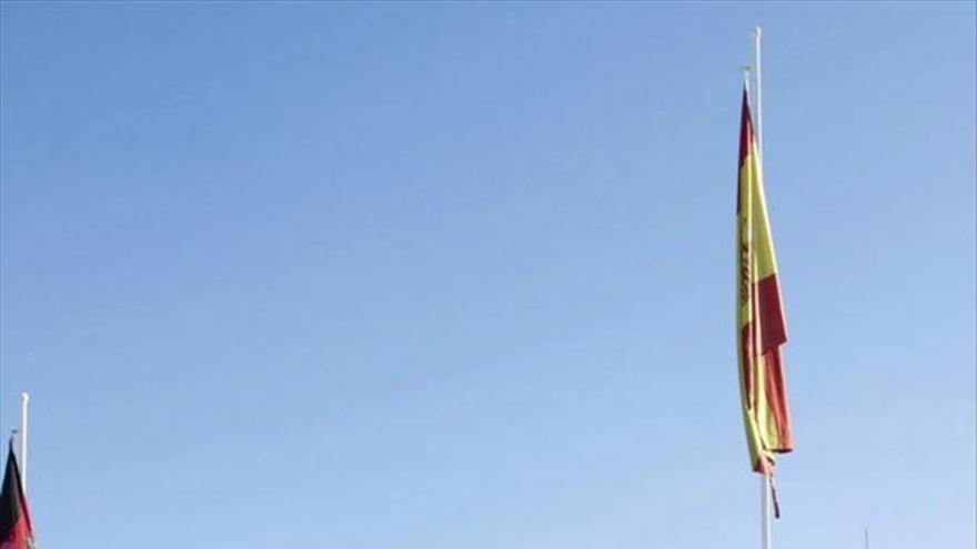 Las tropas españolas en Afganistán rinden homenaje a las víctimas del Yak 42