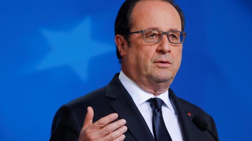 """Hollande: Londres perderá ciertas operaciones bursátiles en euros tras el """"brexit"""""""