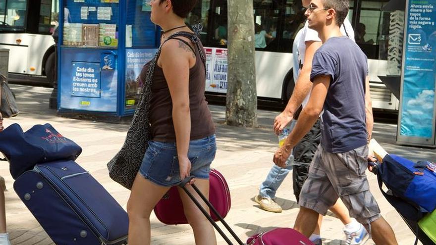 España recibe el récord de 67,5 millones de turistas hasta octubre, 10,2 por ciento más