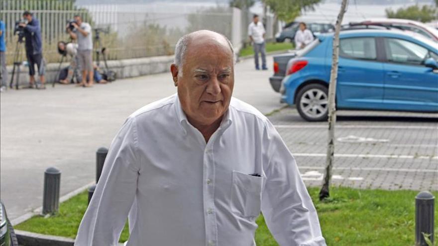 La Fundación Amancio Ortega dona 20 millones a Cáritas y 4 a bancos de alimentos